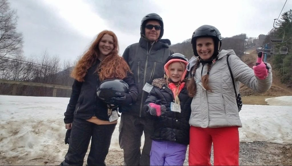 Life After Spinal Fusion: I Went Skiing at 3 Years Post-Op!   Mommy Runs It